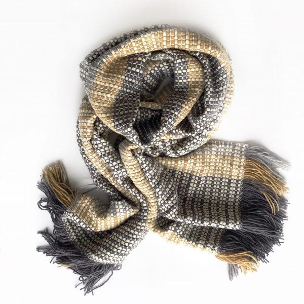 handgewebter Schal aus Merinowolle
